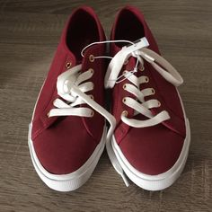 Maroon Sneakers Old navy! Perfect color. Never worn. Old Navy Shoes Sneakers
