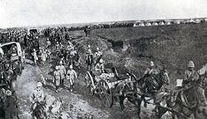 British troops on the march from Chieveley to the Battle of Spion Kop on January 1900 in the Boer War British Soldier, British Army, Troops, Soldiers, British Colonial, African History, Military History, Old Pictures, Warfare
