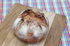 Pan de trigo Kamut,  variedad más antigua que se conoce.  http://www.mumumio.com/tienda/ecotahona-del-ambroz/pan/pan-de-kamut-500-gr
