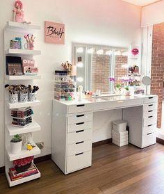 Are those who love the vanity table decor here? Grey Bedroom Decor, Bedroom Closet Design, Bedroom Decor For Teen Girls, Room Ideas Bedroom, Teen Room Decor, Stylish Bedroom, Beauty Room Decor, Makeup Room Decor, Dorm Room Designs
