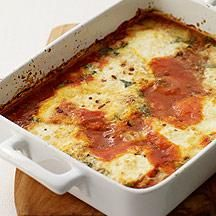 Somewhere between a baked frittata and pastaless lasagna, this casserole is delicious with arugula salad or mixed greens.#recipe #WWLoves 7 SmartPoints