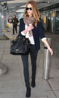 AIRPORT LOOK | LEOPARD PRINT SCARF -- Click to get the look...