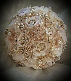 Blush pink Bridal brooch Bouquet DEPOSIT by Elegantweddingdecor Gold Bouquet, Broschen Bouquets, Wedding Brooch Bouquets, Pink And Gold, Rose Gold, Blush Pink, Bling Wedding, Silk Roses, Marie