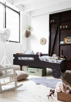 A collection of images of the RaFa kids beds and bunks. A must have for any modern kids bedroom Little Boys Rooms, Kids Rooms, Boy Rooms, Diy Toddler Bed, Toddler Rooms, Interior Design Examples, Modern Interior, Modern Kids Furniture, Kid Furniture