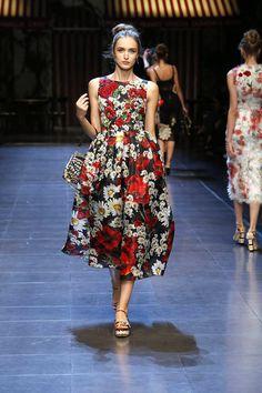 fashion-trends-spring-2016-flowers-dolce-gabbana
