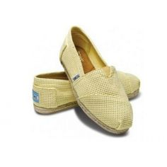 Give more for less with TOMS Sale. Shop TOMS Sale Section for TOMS Shoes, sunglasses and bags. And yes, even when TOMS are on sale, they still give back. Cheap Toms Shoes, Toms Shoes Outlet, Toms Boots, Shoe Outlet, Ankle Boots, Fashion Bags, Fashion Shoes, Fashion Outfits, Mellow Yellow