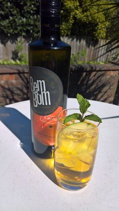 Summer is most definitely on the way, and we are getting in the mood with a BemBom Pomme… a delicious mix of BemBom Rum do Brasil, Apple Juice, and a dash of ginger bitters. Serve long, over ice with a green apple wheel and sprig of mint as garnish. Saude!! Brazilian Rum, Get In The Mood, Apple Juice, Vodka Bottle, Mint, Drinks, Green, Summer, Drinking