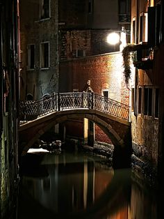 You can almost hear the silence in this photo of a canal at night in #Venice, #Italy