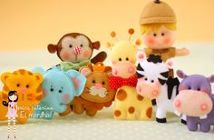 It's an entire felt zoo! They all have nice rozy cheeks and their proportions are really cute Cute Crafts, Felt Crafts, Diy And Crafts, Animal Projects, Craft Projects, Erica Catarina, Felt Animal Patterns, Felt Birds, Felt Diy