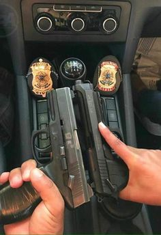Detective Aesthetic, Police Gear, 10 Most Beautiful Women, Gangster Girl, Weed Girls, Military Girl, Guns And Ammo, Romantic Couples, Couple Pictures