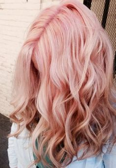 Pink roots are cute with rose gold hairstyles!