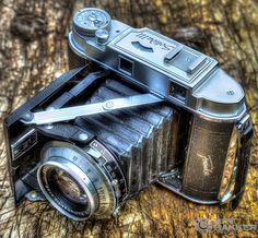 my dads vintage camera. my own work. #arthakker #hdr #photography