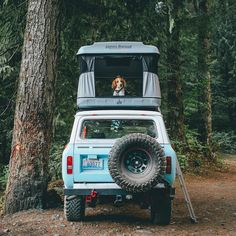 RV And Camping. Great Ideas To Think About Before Your Camping Trip. For many, camping provides a relaxing way to reconnect with the natural world. If camping is something that you want to do, then you need to have some idea Top Tents, Roof Top Tent, Car Top Tent, Tent Set Up, Into The Wild, Road Trip, Auto Retro, Kayak, Adventure Is Out There