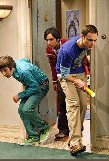 The Big Bang Theory - Cricket hunting: Kunal Nayyar, Jim Parsons, Simon Helberg Big Bang Theory Series, The Big Theory, Tbbt, Leonard And Penny, Simon Helberg, Long Term Care Insurance, Jim Parsons, Tv Reviews, Full Episodes