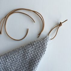 Karen Klarbæks Verden: Hæklet karklud med lædersnøre