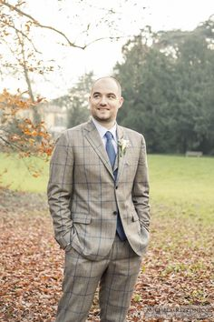 Wedding Dress - Groom | Michela Rezzonico Wedding Photographer #matrimonio #wedding #winterwedding