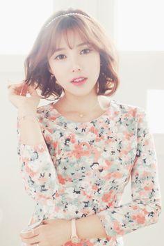Park Hye Min Ulzzang - 박혜민 포니 - Korean makeup artist - Pony beauty diary Sweet Girls, Cute Girls, Pony Korean, Pony Makeup, Modern Haircuts, Cute Korean Girl, Girl Model, Ulzzang Girl, Beautiful People