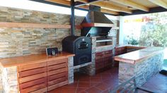 backyard design – Gardening Tips Outdoor Kitchen Grill, Pizza Oven Outdoor, Backyard Kitchen, Fire Pit Backyard, Outdoor Kitchen Design, Backyard Patio, Deck With Pergola, Patio Roof, Pergola Patio