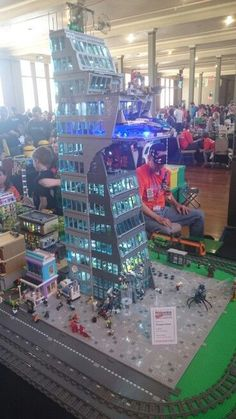 #Brickvention #Lego #Marvel #Avengers #Tower All Lego, Lego Dc, Lego Ironman, Marvel Dc, Lego Universe, Lego Bedroom, Lego Pictures, Amazing Lego Creations, Lego Marvel's Avengers