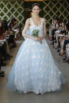 *not your typical white dress* Blue tulle sweetheart gown with white camellia cotton guipure trompe l'oeil apron. - Oscar de la Renta Bridal Spring 2013