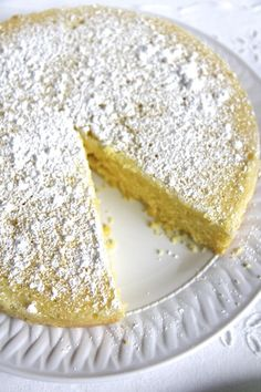 TORTA CAPRESE AL LIMONE (ITALIAN LEMON CAKE) This is a really easy lemon cake, with no glazes and no whipping or folding. I wanted a cake that wasn't overly sweet, so I didn't do a lemon glaze and I added a little almond flour because I like the taste. Lemon Desserts, Lemon Recipes, Just Desserts, Cake Recipes, Dessert Recipes, Easy Italian Desserts, Dishes Recipes, Food Cakes, Cupcake Cakes