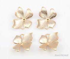 - Matte Gold Plating Color (Tarnish Resistant) - Brass / 17mm x 18mm  - 4pcs / 1pack