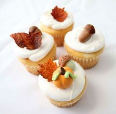 Autumn Wedding Theme Wedding Cake, Fall Leaf, Acorn, and Pumpkin edible Wedding Cake Decorations, Autumn Cupcakes Themed Cupcakes, Wedding Cupcakes, Wedding Cake, Macaroons, Mini Cakes, Cupcake Cakes, Cupcake Toppers, Cookies Decorados, Muffins
