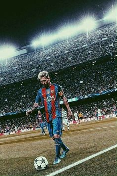 Messi when he had got his hair colored white Messi And Neymar, Messi And Ronaldo, Fifa Soccer, Fc Barcalona, Cristiano Jr, Cr7 Junior, Foto Sport, Argentina National Team, Football Is Life