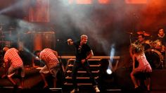 Netinho em seu show na festa Heatmus, em Aracaju/SE, em setembro de 2011.