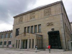 Kunsthaus Zürich in Zürich, Zürich Expositions, Les Oeuvres, Lighthouse, Louvre, Luxury, City, World, Building, Sculptures
