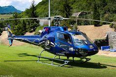 https://flic.kr/p/wxok9o | Airbus Helicopters H125 Écureuil - TDF 2015 | Parking hélicoptère sur la pelouse d'un stade à Saint-Jean-de-Maurienne avant le début de l'étape.  Tour de France 2015 Etape 19 (Saint-Jean-de-Maurienne / La Toussuire - Les Sybelles) - Savoie, Rhône-Alpes, France.  (07/2015) © Quentin Douchet.