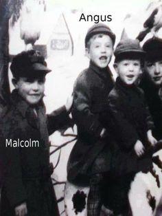 Quem diria que esses irmãos fofos iriam fundar uma banda tão foda ! #AC/DCForever Angus and Malcolm ♥