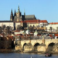 CNNGo TV in Prague: The clubs, the chocolate, the culture
