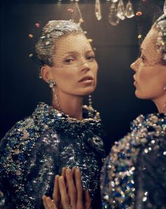 Fashion—victime: Kate Moss by Tim Walker for Vogue US...