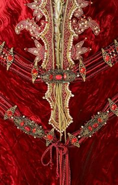 Brothers Grimm (2005) #Movie by Terry Gilliam #CostumeDesign: Gabriella Pescucci worn by Monica Bellucci as Mirror Queen. detail