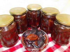 Rozi erdélyi,székely konyhája: Szilva nyersen eltéve Apple Pie, Pickles, Mason Jars, Cream, Food, Winter, Apple Cobbler, Creme Caramel, Essen