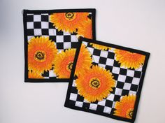 Sunflowers-Black/White Checkered-Pot by PizazzCreations on Etsy