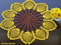Pink Rose Crochet: Centrinho Sunflower in Pineapples Crochet sunflower doily / Lace / Yellow with black or brown / Free Crochet Doily Patterns, Crochet Headband Pattern, Crochet Mandala, Crochet Patterns Amigurumi, Crochet Motif, Crochet Designs, Crochet Doilies, Crochet Flowers, Free Pattern