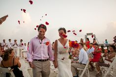 One of the best places to get married in Mexico: Isla Mujeres, Cancún. Photoshoot Maya Ceremony in Capitán Dulché. Destination Wedding. Wedding. Wedding Photographer. Mexico Weddings.