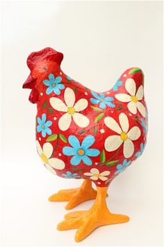 paper mâché art by Liat Binyamini Ariel Paper Mache Crafts For Kids, Plate Crafts, Diy And Crafts, Chicken Crafts, Chicken Art, Red Chicken, Rooster Painting, Dot Painting, Paper Mache Animals