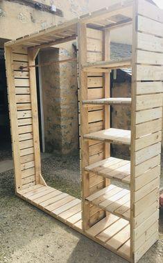 Rustic Bedroom Furniture, Diy Pallet Furniture, Reclaimed Wood Projects, Diy Wood Projects, Wooden Closet, Pallet Closet, Dressing En Palette, Diy Room Decor, Bedroom Decor