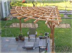Wow, a corner pergola. 24 Inspiring DIY Backyard Pergola Ideas To Enhance The Outdoor Life Diy Pergola, Corner Pergola, Outdoor Pergola, Wooden Pergola, Outdoor Decor, Pergola Lighting, Pergola Roof, Cheap Pergola, Metal Pergola