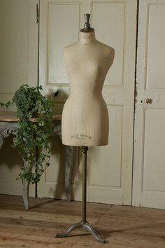 アンティーク STOCKMANトルソー French Vintage Stockman Manequin Stockman Mannequin, Book Of Job, Kiosk Design, Attic Design, French Vintage, Panama, Concept Art, Boutique, Antiques