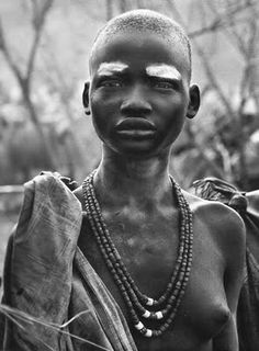 Africa | Portrait of a Dinka girl. South Sudan. | © Sebastião Salgado, 2006