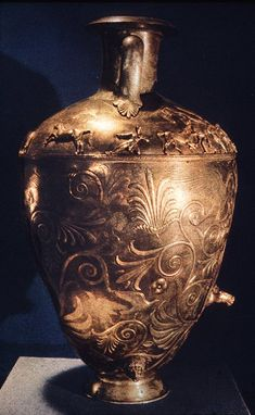 Chertomlyk1.jpg (445×722)   images of Scythian metal works (most of them are gold objects) and other artifacts by sites.