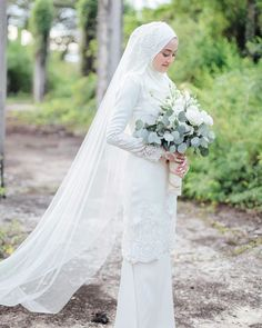 Muslimah Wedding Dress, Muslim Wedding Dresses, Disney Wedding Dresses, Muslim Brides, Dream Wedding Dresses, Wedding Attire, Bridal Dresses, Hijab Bride, Malay Wedding Dress