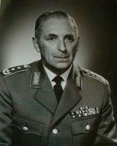 Generalleutnant Friedrich Foertsch (19 May 1900 – 14 December 1976)