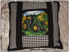 Traktor-Kissen John mit Versteck von Antjes Design auf DaWanda.com