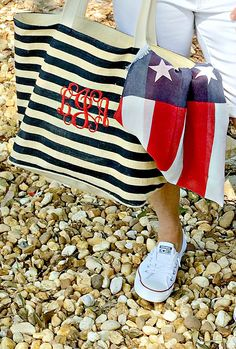 Show up in style for the 4th of July cute bag and style ideas from Duke Manor Farm