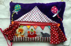 Coussin du tapis d'éveil en 6 coussins sur le thème du cirque. DIY à retrouver ici : http://www.isastuce.com/tutos-tuto-du-tapis-deveil-en-9-coussins-coussin-cirque/